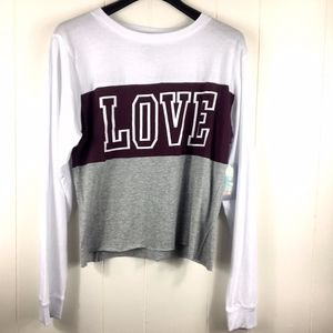 NWT long sleeve crop top Graphic Love XL white